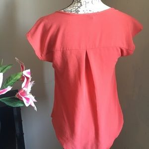 mine Tops - Beautiful top (blouse) size Small ❤️